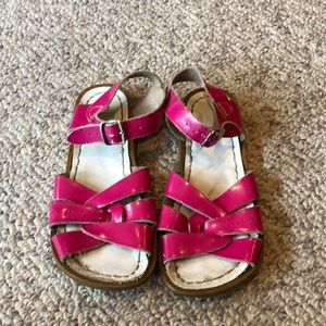 Salt Water Fushia Pink patent leather sandals 13